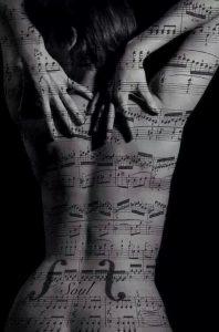 Teste hangszer